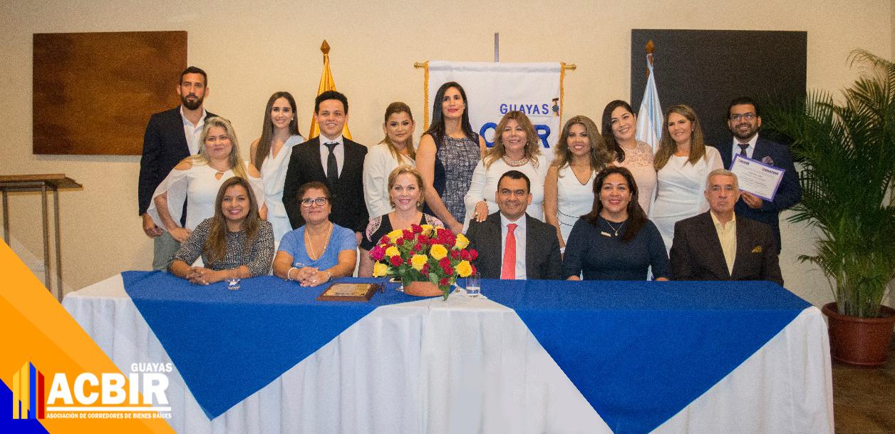 ACBIR – Guayas realizó su segunda graduación de Corredores de Bienes Raíces del 2018